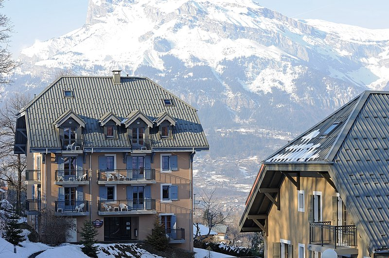 Cozy studio for 2 near the gondola | Ski + Sauna! Chalet in St Gervais