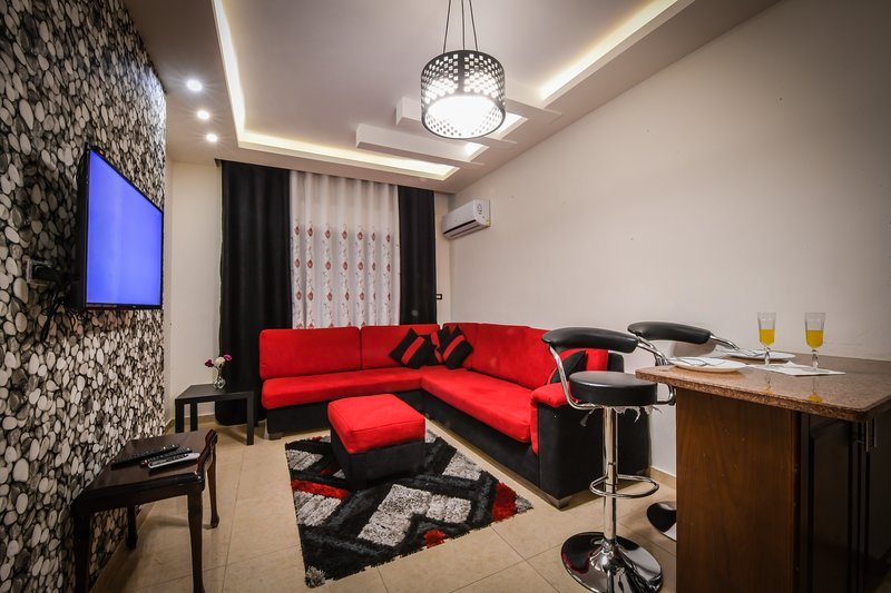 Alqimah 2 Bedrooms Apartment Hotel in Amman, holiday rental in Jordan