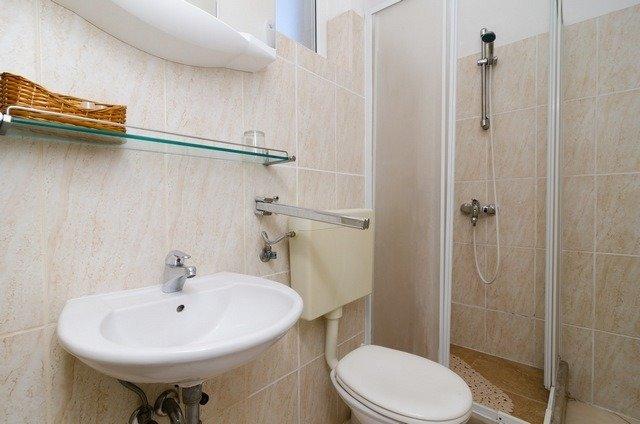 A3 (2 + 2): badkamer met toilet