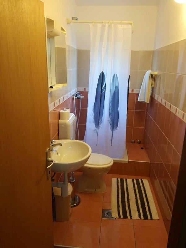 A2-crveni (5 + 1): il bagno