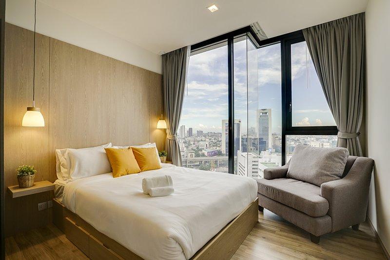 Modern 1 Bed Apt w/Balcony in THE LINE Jatujak – Mochit Condo, aluguéis de temporada em Lat Phrao