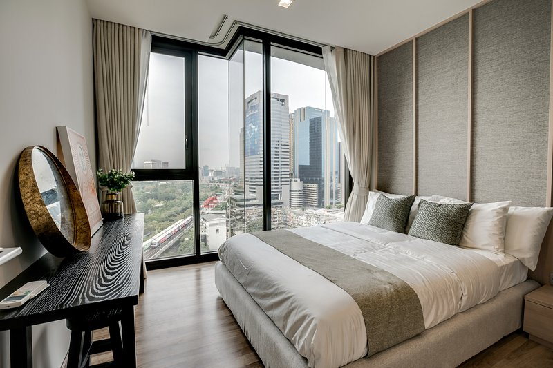 Stunning 1Bed w/Balcony in The Line Jatujak-Mochit, vacation rental in Lat Phrao
