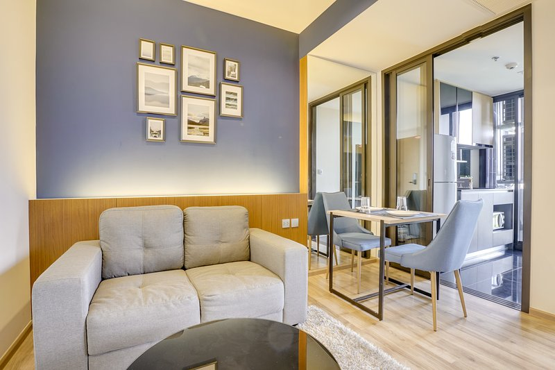 Cozy & Elegant 1Bed in Condo The Line Jatujak-Mochit, vacation rental in Lat Phrao