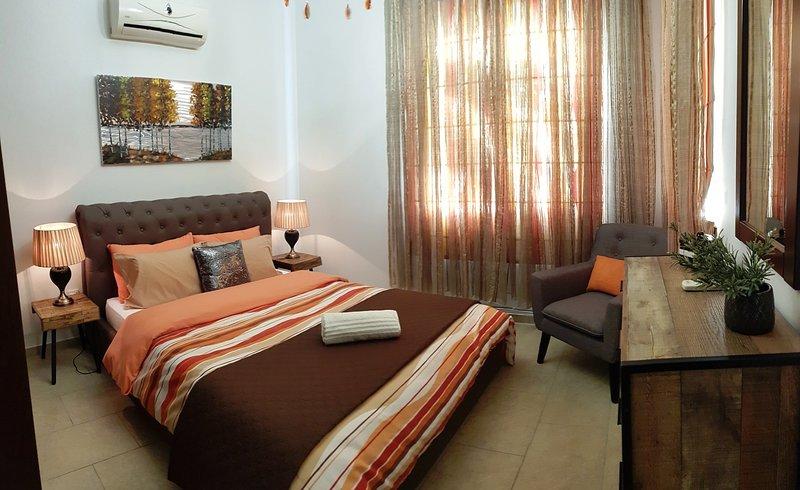 Luxury 2 bedroom apartment Eden D02, vacation rental in Khlorakas