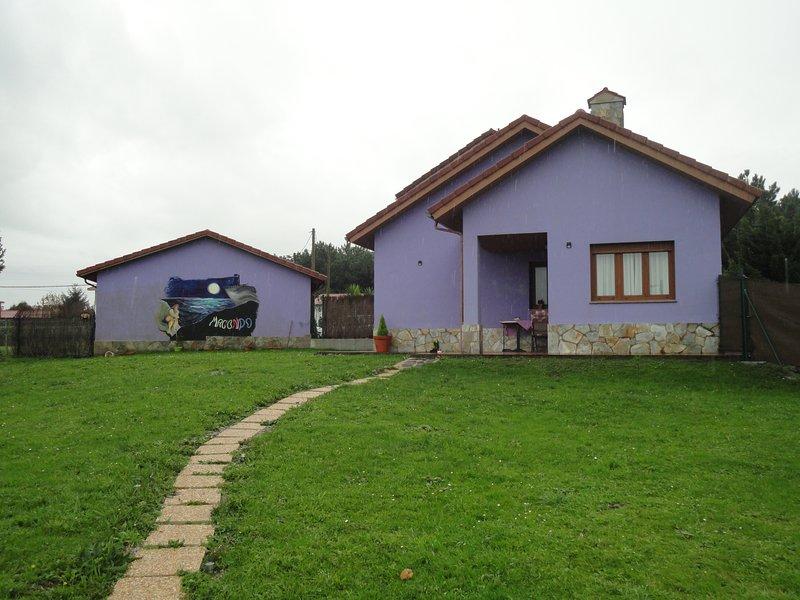 Apartamento MACONDO en Bañugues, Luanco-Gozón, holiday rental in Pajares