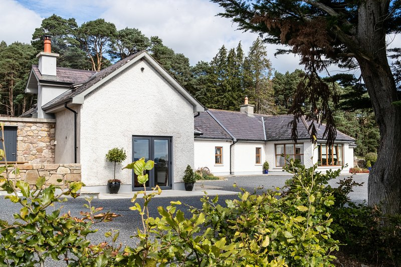 John's Dairy Self Catering Boutique Farm Cottage, vacation rental in Tipperary