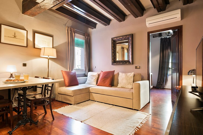 VINTAGE AUTHENTIC| BARCELONA| OLD TOWN¦, vacation rental in Barcelona