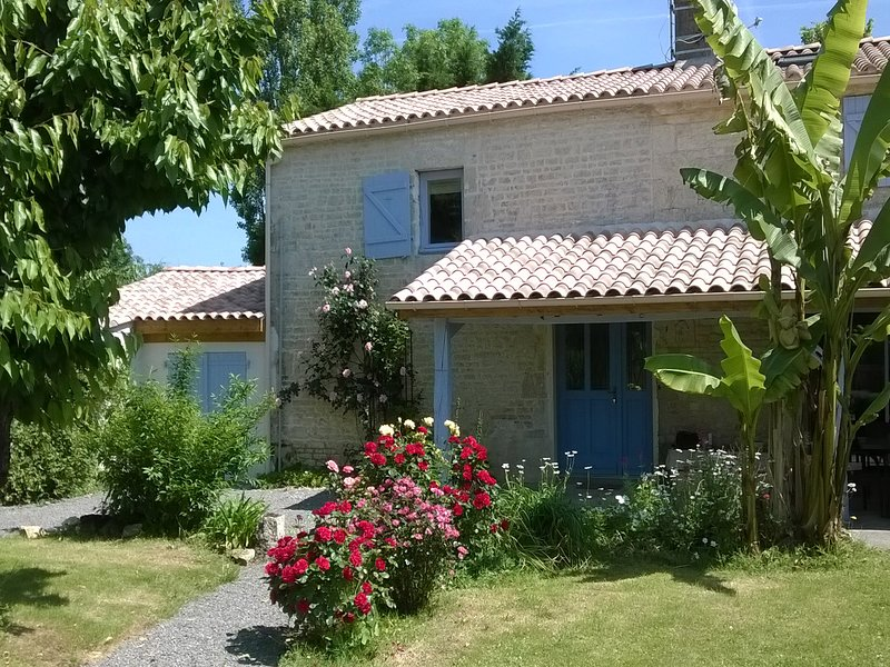 The Cornflowers Holiday Home, vacation rental in Vendee