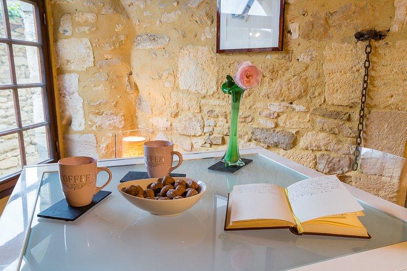 La mesa principal de tu piso medieval.