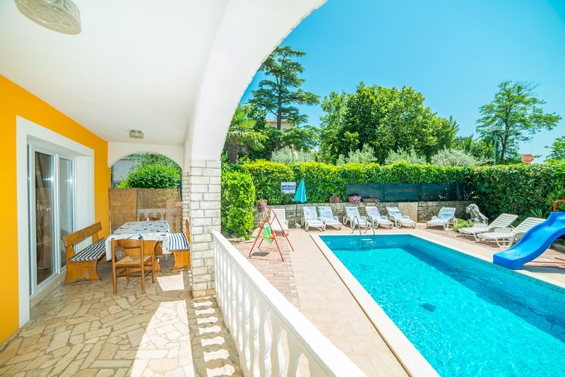 Ferienwohnung 580-3 für 8 Pers. in Nedescina, location de vacances à Jurazini