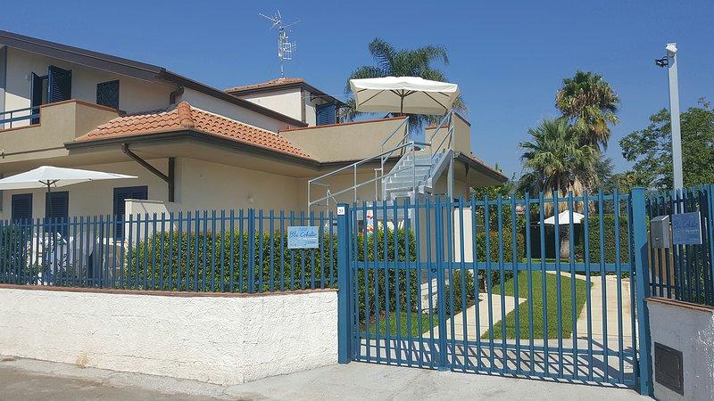 Blu Cobalto (2 appartamenti + monolocale), location de vacances à Mascali