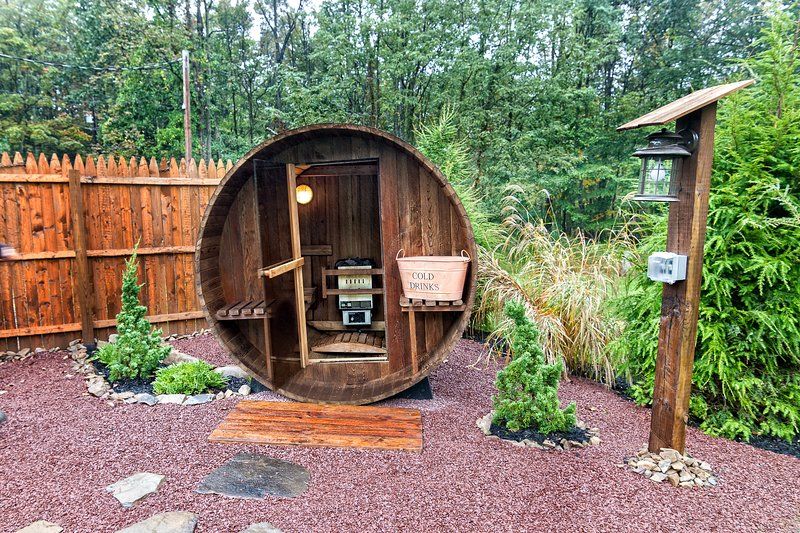 Cedar Barrel Steam Sauna