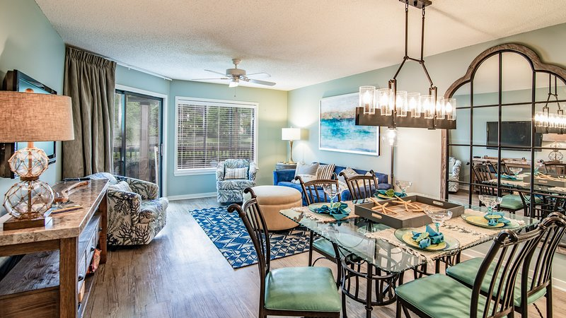 Great Open Living Space w/ Access to Waterfront Screen Porch