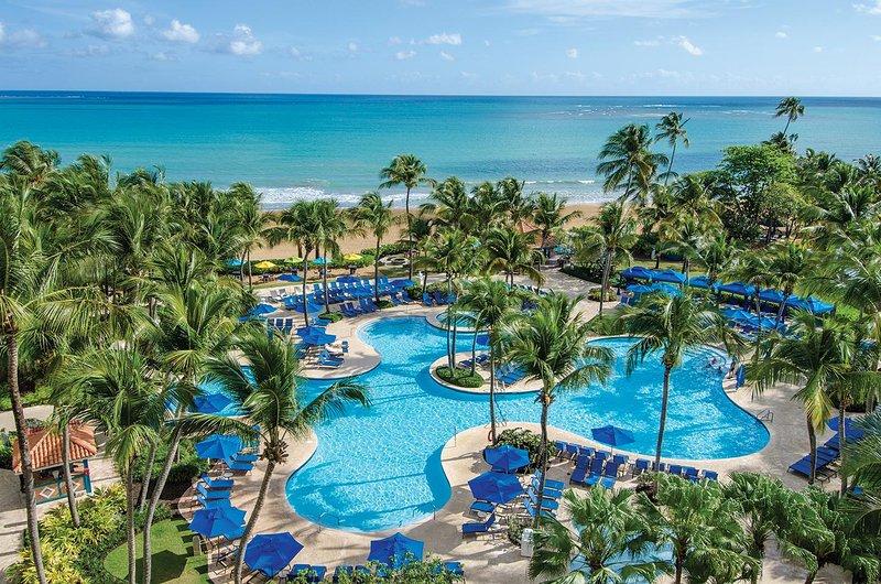 Margaritaville Vacation Club Wyndham Rio Mar Área de la piscina