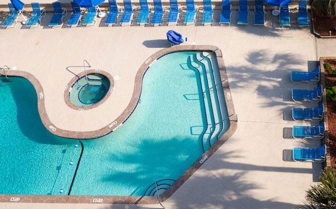Área de piscina de Peppertree Ocean Club