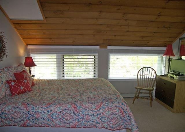 Loft Bedroom Queen Bed