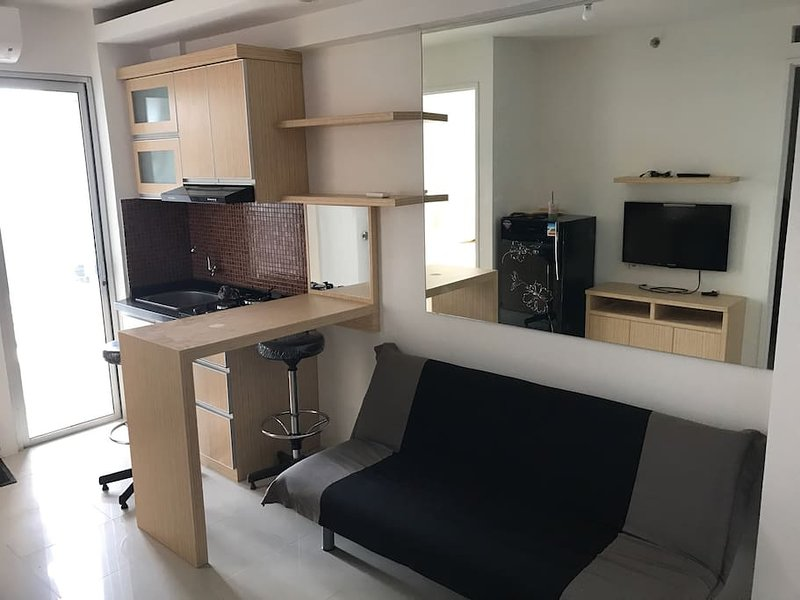 Apartemen Bassura (Basuki Racmat) Tower A, holiday rental in Cikarang