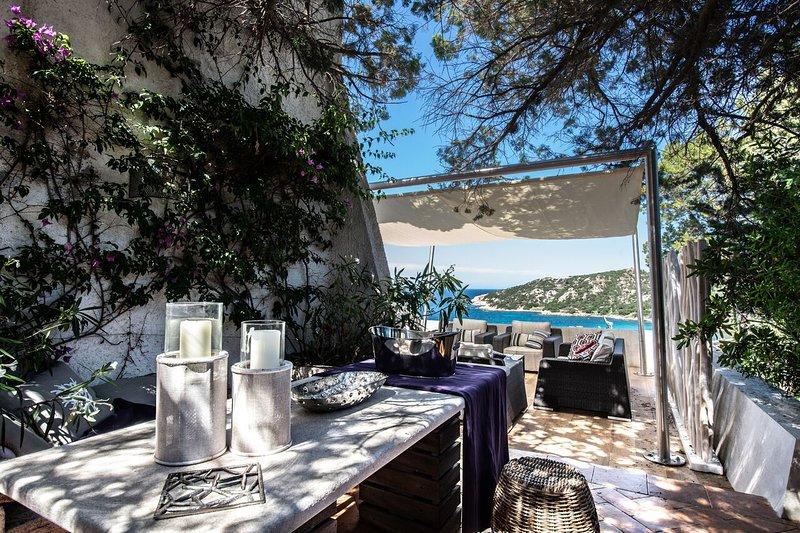 Luxury villa Nora, holiday rental in Poltu Quatu