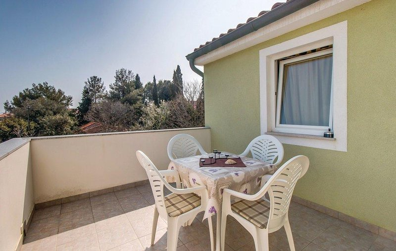 Nerezine Apartment Sleeps 5 with Air Con - 5467762, vacation rental in Nerezine