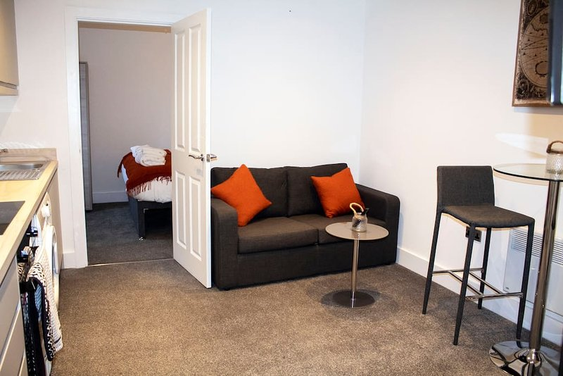 Winter Gardens Service, Apartment 3, vacation rental in Blackpool