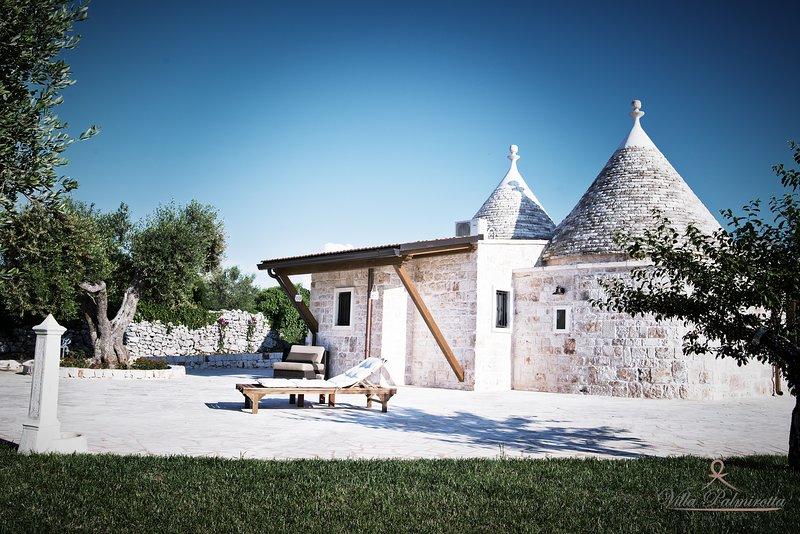 VILLA PALMIROTTA TRULLI RELAIS, holiday rental in Castellana Grotte