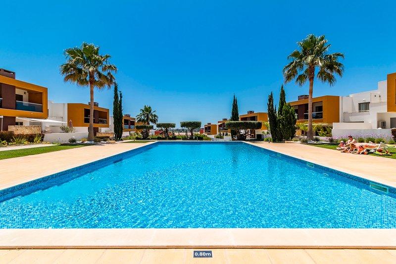 Contemporary Apartment | 6 Mins from Gale beach | Vale de Parra, casa vacanza a Gale