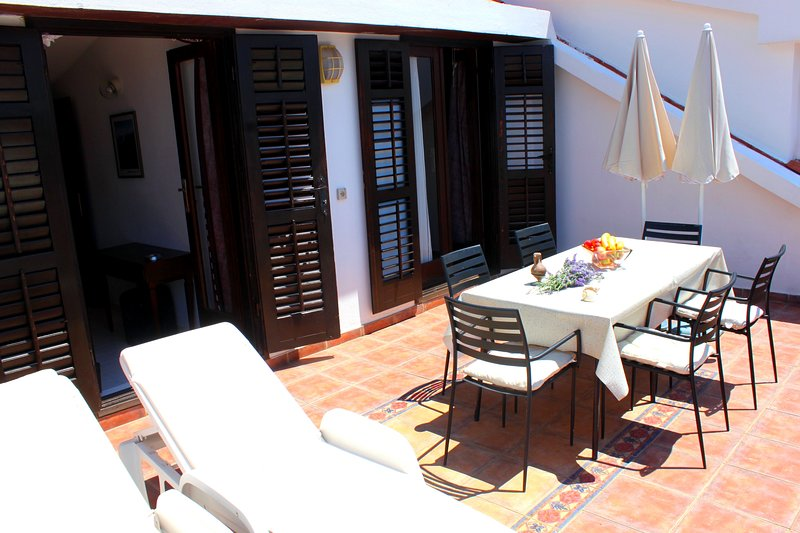 Sveti Stefan NR  Two-Bedroom Apartment with terrace,Sea View, holiday rental in Sveti Stefan