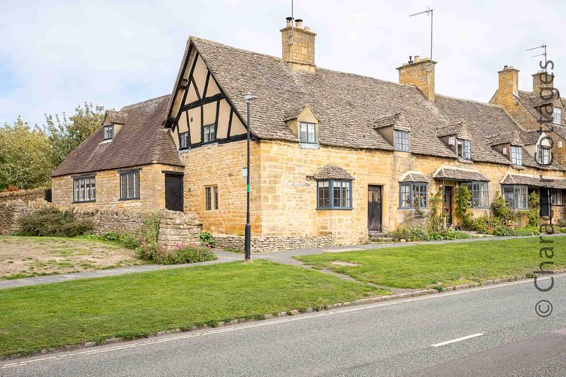 Weavers Cottage is a beautiful Cotswold stone cottage, with stunning features, vakantiewoning in Willersey