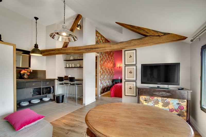 # 6 VINES MOH Chateau de Maison Perrières 1 ° piano: soggiorno (divano letto convertibile)