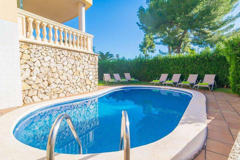 CAN BESSO - Villa for 8 people in Alcanada (Alcudia), holiday rental in Alcudia