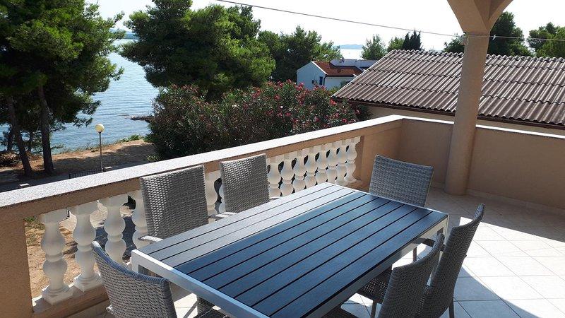 Tkon Apartment Sleeps 6 with Air Con - 5468428, vacation rental in Zizanj Island