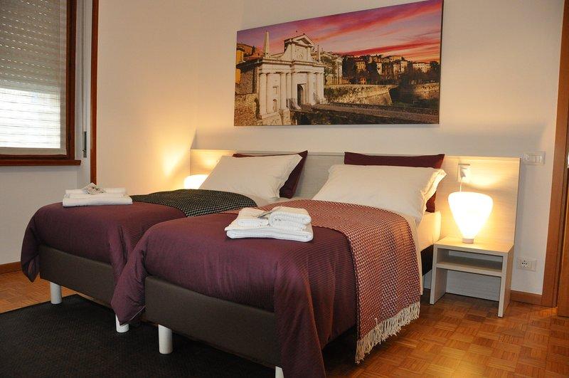 CityWalls Guest House Room 3, Ferienwohnung in Madone