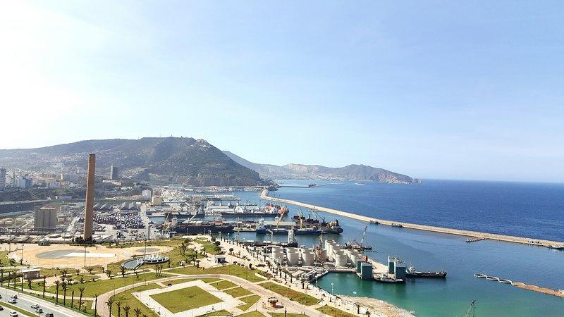 Logement standing avec vue panoramique a Oran, alquiler vacacional en Argelia