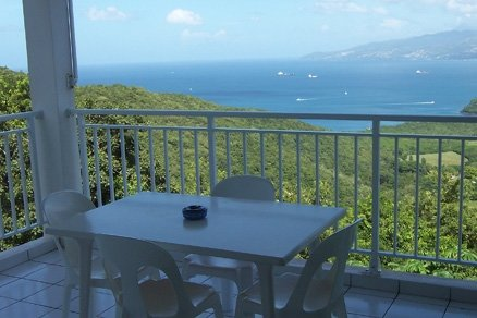 Amazing studio with balcony & Wifi, holiday rental in La Pagerie