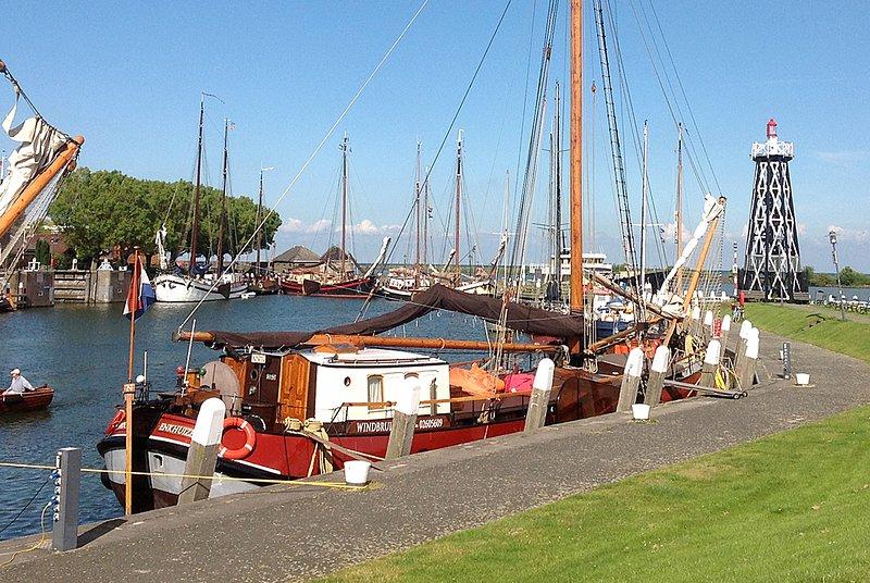 Traditional Dutch Sailing Ship for max. 16 people – semesterbostad i Andijk