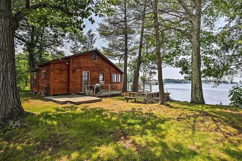 This cabin boasts an ideal location on a small island off a private peninsula.