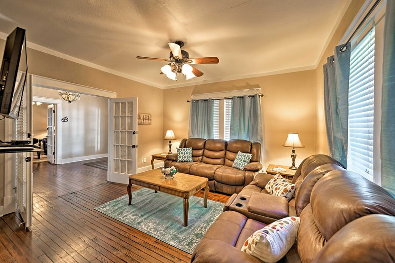 Find the best of Florence at this 2-bed, 1-bath vacation rental property!