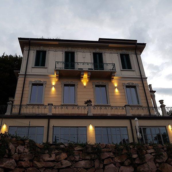 Villa Floreal By Night