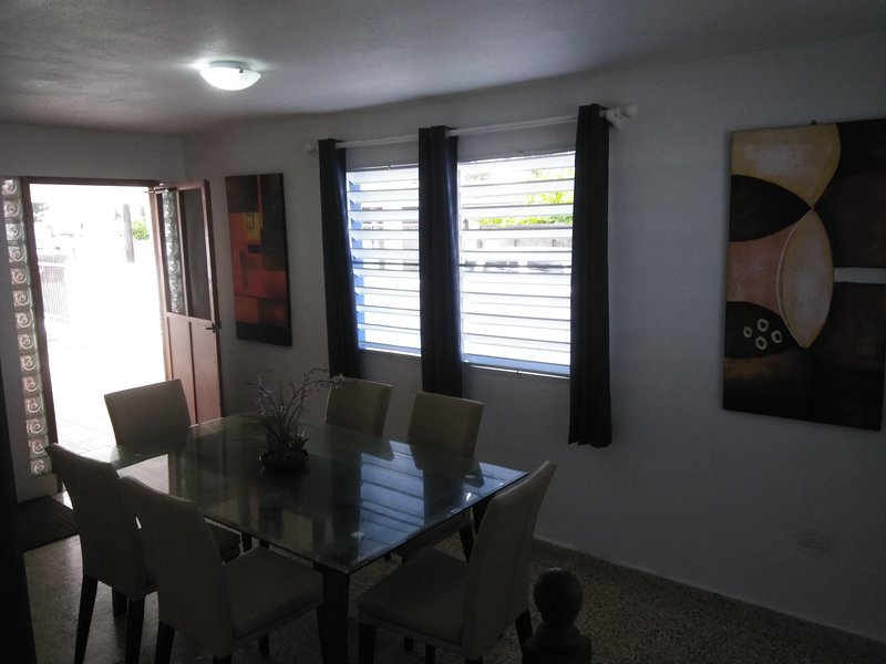 Live like a Local ★ La Isla Del Encanto ★ Ocean View | By San Juan, Puerto Rico, holiday rental in Isla Verde
