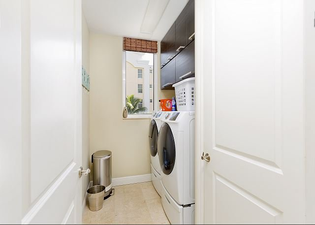 Unit comes with own washer and dryer