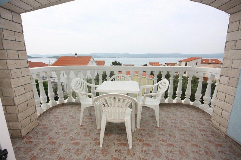 Turanj Apartment Sleeps 4 with Air Con - 5578180, holiday rental in Sveti Petar