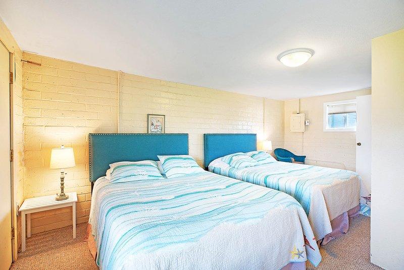 Shorty Thompson Condo, holiday rental in Copalis Beach