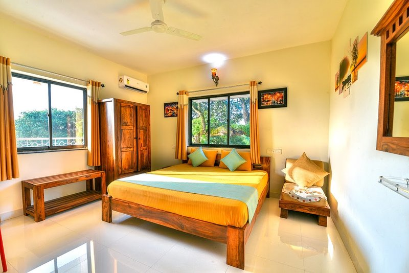 Monarch Suites Goa 003, holiday rental in Nerul