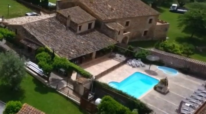 Casa Rural Can Gat Vell 15 personas, Costa Brava 17km Piscina a compartir, location de vacances à Pontos