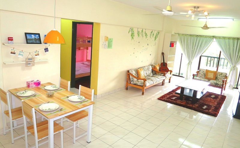 Golf View Homestay Nearby LRT Station in Bukit Jalil-8pax, holiday rental in Sri Kembangan