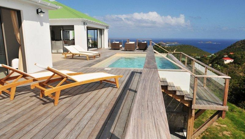 Mirador - Wonderful Views - 4 Bedrooms, alquiler de vacaciones en Anse des Cayes