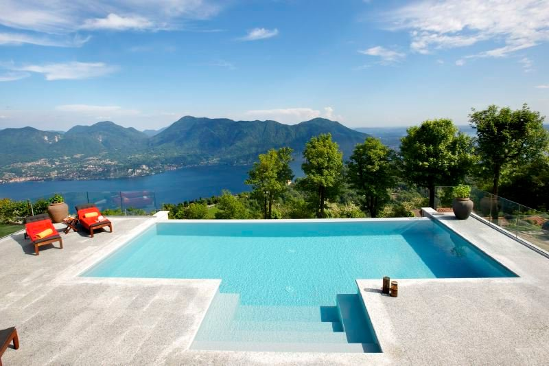 Premeno Villa Sleeps 16 with Pool and WiFi - 5690810, Ferienwohnung in Bee