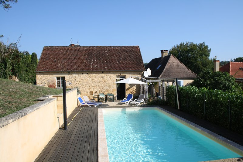 Payrignac (4 people) - Lovely village house with heated pool and large garden, vacation rental in Gourdon