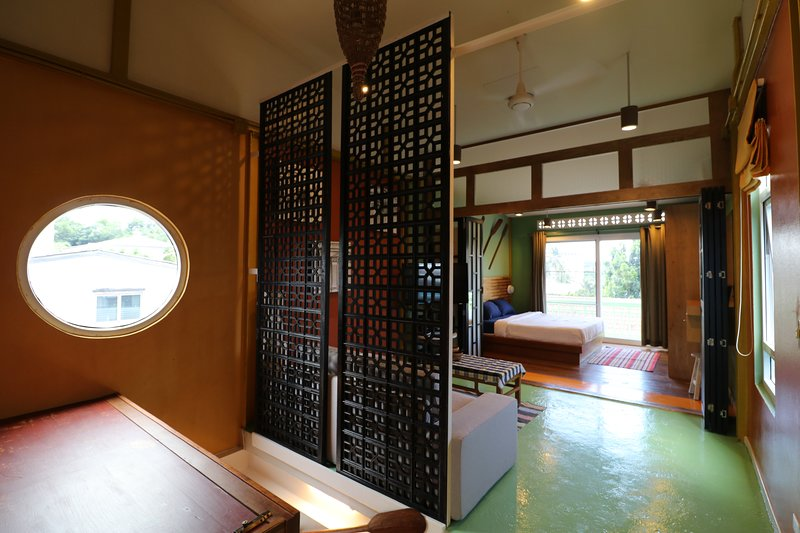 ECLECTIC DESigN  2 Bedrooms Penthouse Apartment, holiday rental in Ban Sam Kong