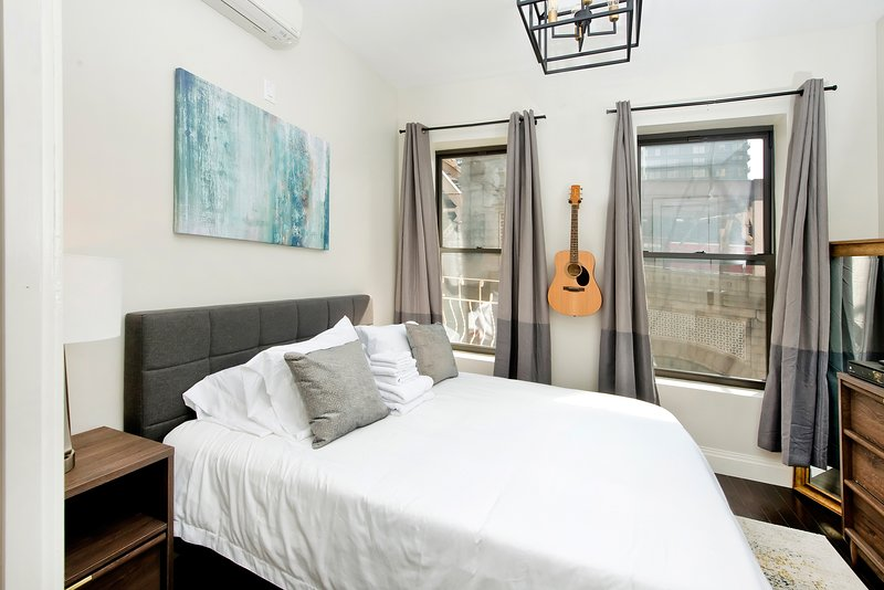 Upper East Side City Getaway! A home away from home for the holidays!, holiday rental in Long Island City